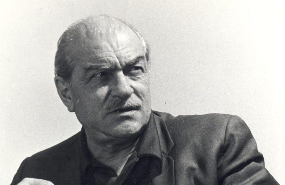 Kemal Tahir kimdir? Hayatı, Eserleri ve Biyografisi!